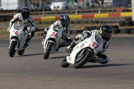 Spectaculaire scooter- en motorraces in Berghem